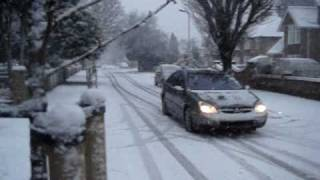 preview picture of video 'Falling Snow in West Drayton, London (VIII) 6 Jan 2010'