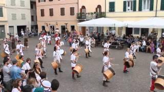 preview picture of video 'Tamburi Medioevali di Cividale   Palio di Cividale 2014   Agonia domenica'