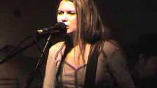 "Juliana Hatfield + band Live ""dame with a rod"" 12/18/04 [4 of 4]"