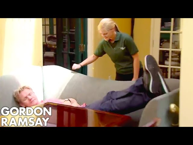 Gordon Ramsay Forced to Wait Over an Hour for RAW Fish! | Hotel Hell