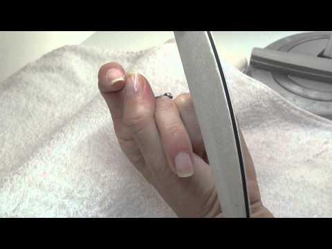 Cómo usar las limas en una manicura básica
