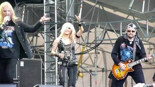 Saxon feat. Doro Pesch - Denim and Leather (live)