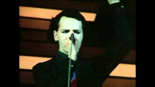 GARY NUMAN REMEMBER I WAS VAPOUR.1979