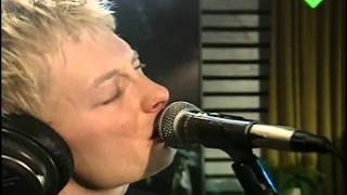 "Video thumbnail of ""High and Dry - Radiohead (Live Studio Session) (Subtitulada)"""
