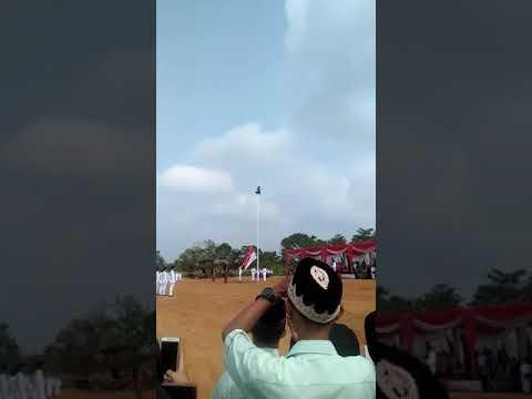Panjat Tiang Bendera Demi Berkibarnya Sang Saka Merah Putih