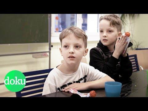 Wenn Kinder zur Tafel müssen - Kinderarmut in Deutschland | WDR Doku