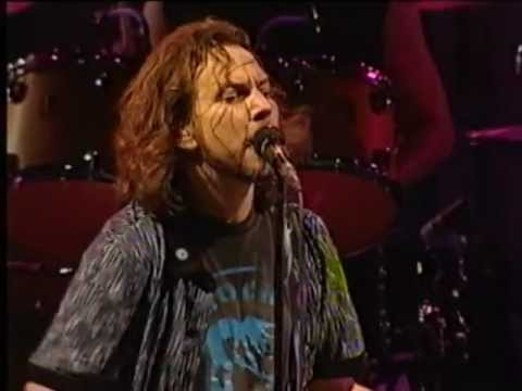 PEARL JAM - Elderly Woman Behind The Counter In A Small Town - Live - Argentina 2005-11-26