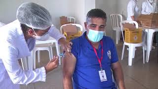 A emoção de quem recebe a vacina contra a covid-19