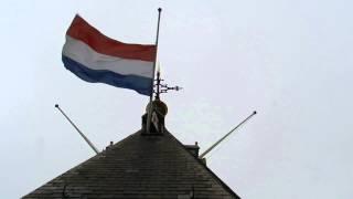 Vlag Halfstok Hijsen Op De Domtoren Utrecht - Holland Mast