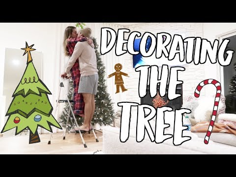 DECORATING OUR CHRISTMAS TREE! VLOGMAS DAY 1!