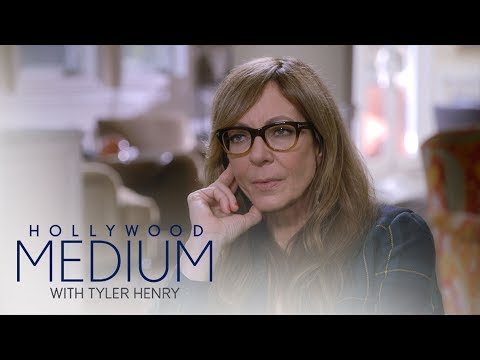 Allison Janney's Reading Takes a Surprising Turn | Hollywood Medium with Tyler Henry | E!