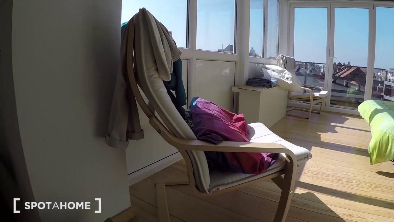 Sunny 1-bedroom duplex with balcony for rent in Schaerbeek