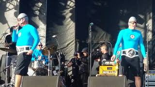 SUPER RAD - TRAVIS BARKER and the Aquabats Back to the Beach Festival