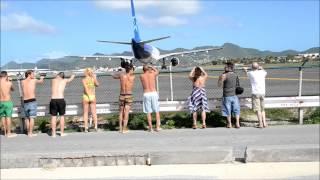 Gambar cover San Marteen Sintiendo la fuerza de las turbinas de los aviones