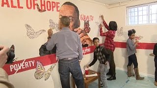 Obamas Help Paint Community Service Project On MLK Day 2016