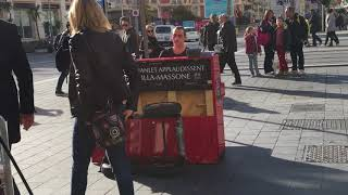 Un pianista in centro della città di Nizza!!!