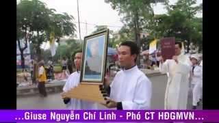 preview picture of video 'Lễ giỗ 10 năm Đức cha cố Bartôlômêô Nguyễn Sơn Lâm'