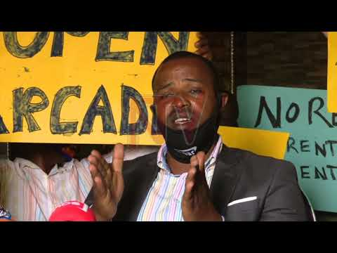 Poliisi ekutte Dr. Stella Nyanzi, bamututte talinnya