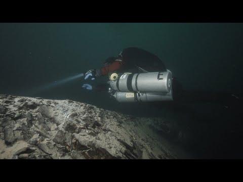 Scuba diving in a chalc-pit