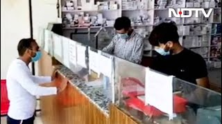 Covid-19 News: Despite Lockdown, In Srinagar A Trust Is Providing Free Medicines