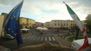 preview picture of video 'Time Lapse Pomarance in Piazza 30/Luglio/2014'