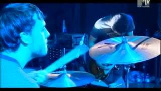 Alanis Morissette - Eight Easy Steps live MTV Supersonic 2004