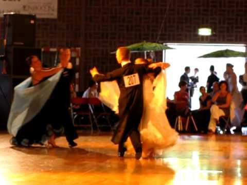 Berry & Kim Voorronde Engelse Wals B-klasse Cuijk 25-4-2011