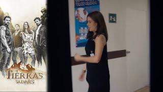 Olga Descubre El Romance Entre Isabel Y Daniel | En Tierras Salvajes- Televisa