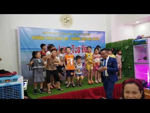 Các cháu hai trường THCS Đại Xuyên - THCS Châu Can tại Sầm Sơn ngày 27.7.2020
