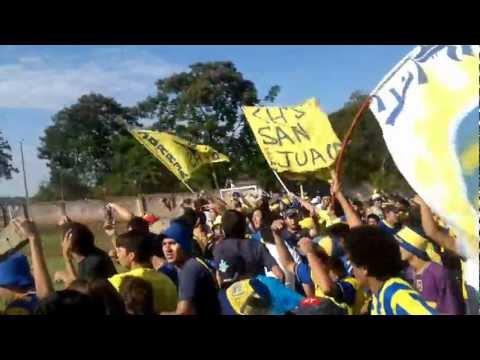 """""""2012-03-25- asi empezaba toda la fiesta..."""" Barra: Chancholigans • Club: Sportivo Luqueño"""
