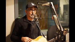 """Art Alexakis Performs """"I Will Buy You A New Life"""" Live In Studio"""