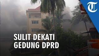 Gedung DPRD Papua Barat Dibakar, Wagub Kesulitan Dekati karena Massa Masih Anarkis