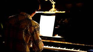 Melody (Moderato) Krystal Jung (COVER) by James