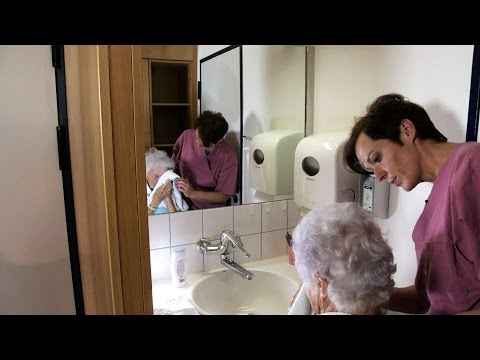 PfiFf – Anleitung zur Körperpflege bei Pflegebedürftigen
