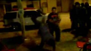 preview picture of video 'Aficionados al break dance.3GP'