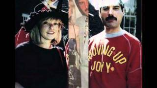 QUEEN - Love of my Life (Freddie Mercury & Mary Austin - footage)