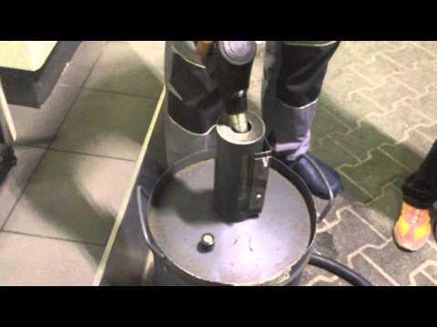 Wie den Leim aus dem Benzin und dem Schaumplast Videos zu machen