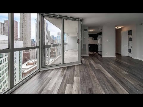 Tour a G-tier 2-bedroom, 2-bath on the River North / Gold Coast border
