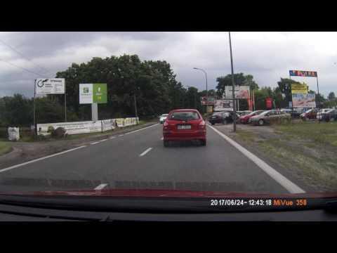 Польский мотоциклист-обочечник не заметил машину
