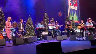 Luke Combs Beer Never Broke My Heart 100.7 Hometown Holiday Concert