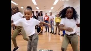 Petit Afro Presents – Angel Laura Jeane Afro Dancer (PETIT AFRO) Turn Up