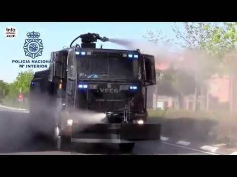 La Policía Nacional adapta su camión lanza agua a la lucha contra el Covid-19