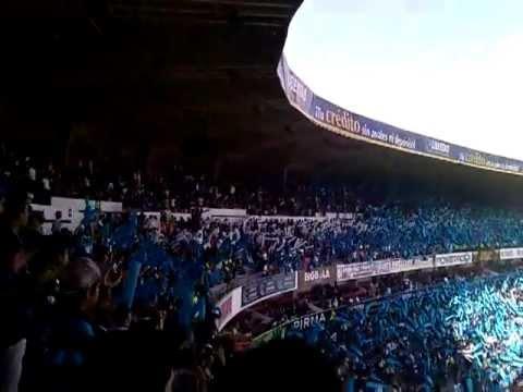 """""""Resistencia Albiazul - Mil banderas (Recibimiento) vs san Luis"""" Barra: La Resistencia Albiazul • Club: Querétaro"""