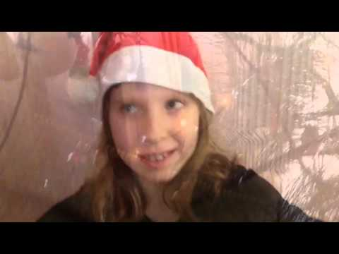 Новогодняя атмосфера/ клип Ariana Grande - santa Tell Me / София Крайтор