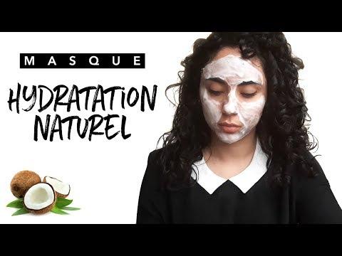 Les masques pour la personne avec laspirine et le jus de laloès