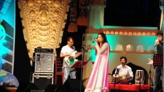 "Shreya ghoshal singing ""Manwa laage"" live in chennai,2014"