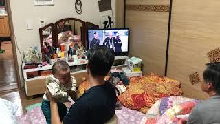 Cả nhà chồng Hàn Quốc ủng hộ bóng đá Việt Nam