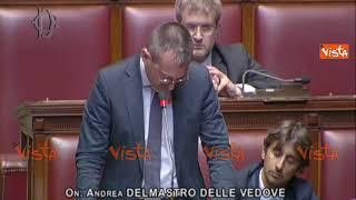 """Fico al deputato di Fratelli d'Italia: """"I migranti non fanno la pacchia, cambi linguaggio"""""""