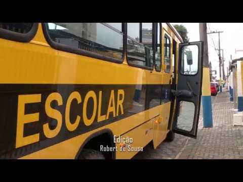 Secretaria da Educação recebe 4 novos ônibus escolares