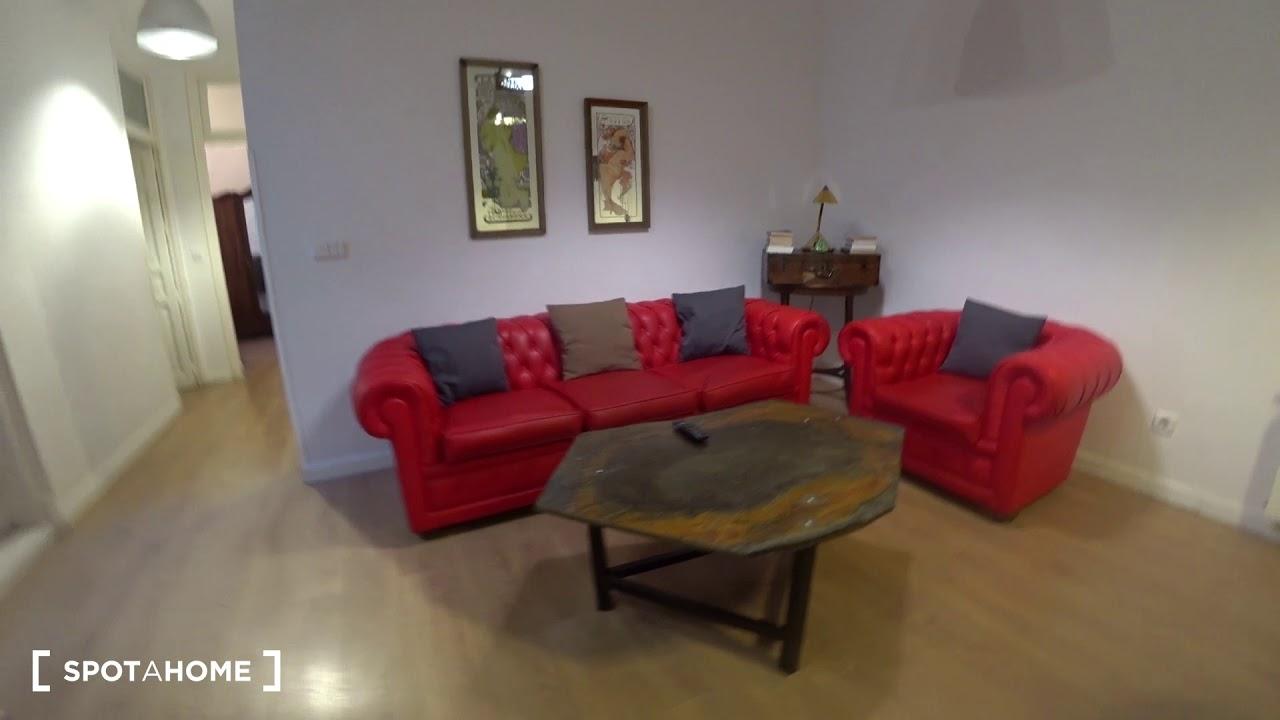 Elegant 3-bedroom apartment for rent in Centro